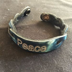 🌈5/$25🌈 Blue tie dye leather peace bracelet